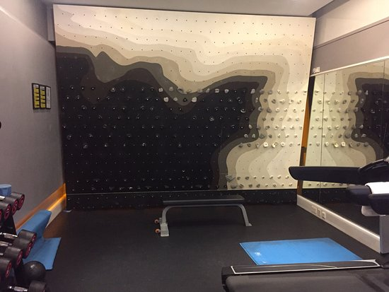 Ace Hotel London Shoreditch : Gym, including small bouldering wall!