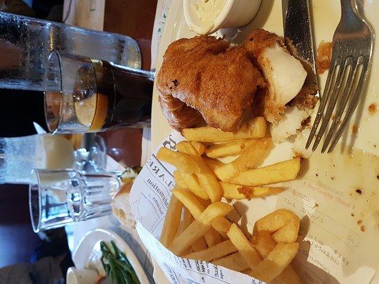 Vandoeuvre-les-Nancy, France: Le fish avec frites fraiches  quel delice