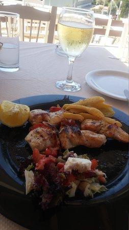 Restaurant Panorama: Chicken souvlaki and grilled sardines