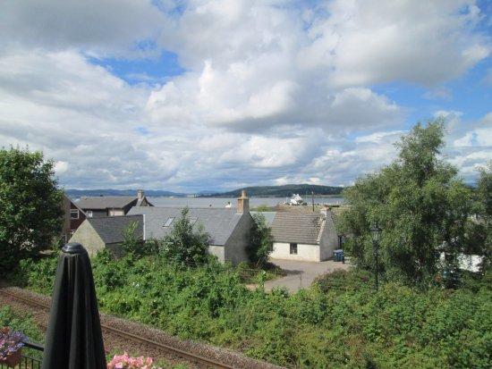 Clachnaharry Inn: views from beer garden