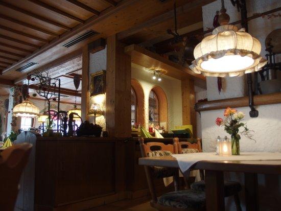 Falken Restaurant: L'intérieur du restaurant