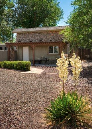 Chino Valley, AZ: Casita Queen Suite - Outdoor View