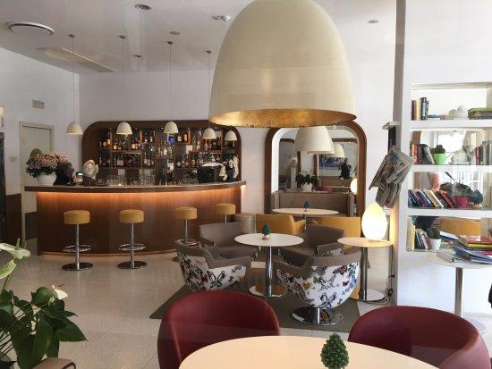 Hotel Plaza: La sala bar