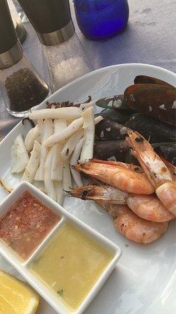 The Boathouse Wine & Grill : Нереально красивый вид из этого ресторана! Отличная винная карта и блюда из морепродуктов! Наше
