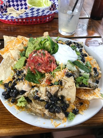 Kip's Grill and Cantina : Chicken Nachos...excellent and filling