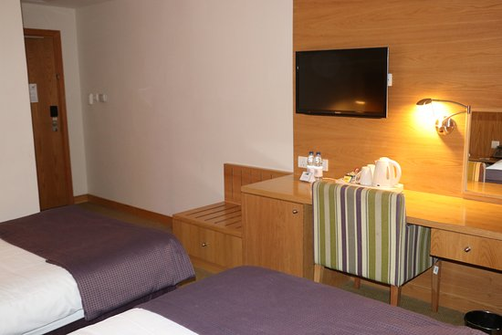 Holiday Inn Express Dubai Airport Picture