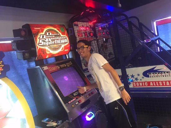 Q-Zar Tampa: Tampa's only center with the original ( and still the best) DDR game