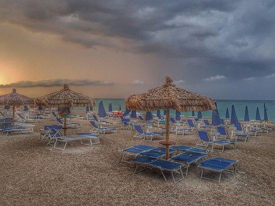 Raphael Beach: Temporale d'estate