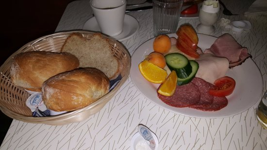 Cawston, Канада: Traditional German breakfast
