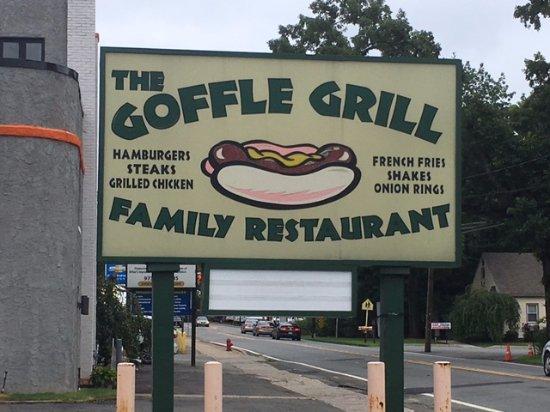 Hawthorne, NJ: The Goffle Grill