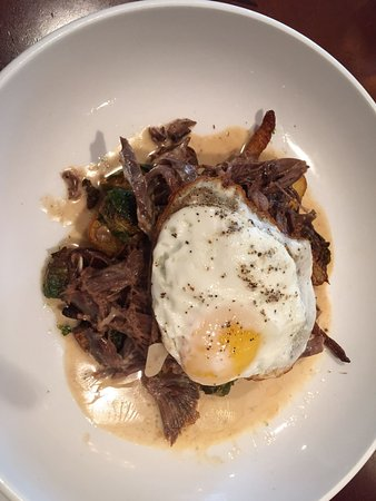 The Heights Restaurant and H Bar : Goat Stroganoff