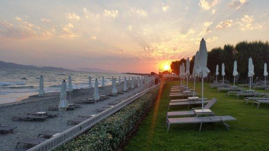 Neptune Hotels - Resort, Convention Centre & Spa Photo