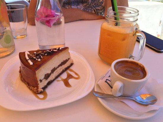 Hotel Minoa: Excellent hotel avec son salon de thé et Buffet petit déjeuner avec des produits fait maison !!!