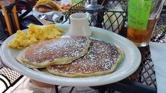 Damariscotta, Maine: pancakes