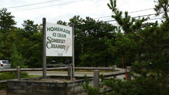 Cataumet, MA: Roadside sign
