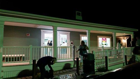 Cataumet, MA: Front porch