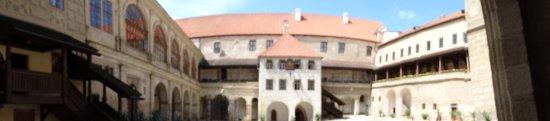 Horsovsky Tyn, República Checa: Panorama nádvoří hradu a zámku Horšovský týn