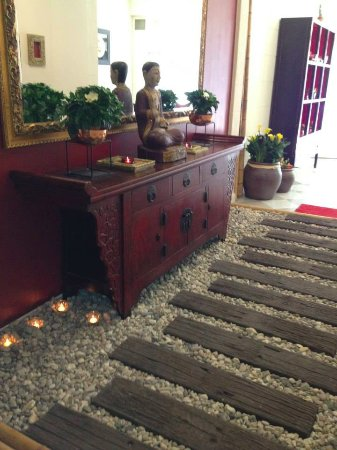 Lai-Thai Massage & Spa