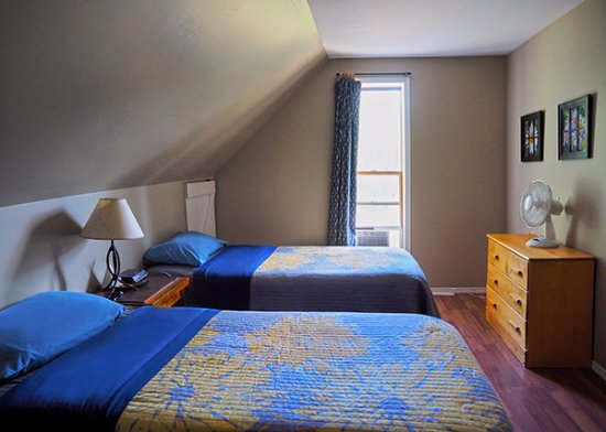 Barriere, Kanada: One room has two twin beds, good for friends or family travelling together.