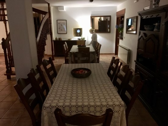 Parada de Francos: Dining area in accommodation barn