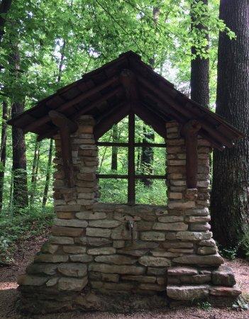Canyon Inn: A water fountain on Trail #3