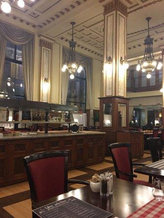 Palace Restaurant: photo0.jpg