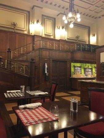 Palace Restaurant: photo1.jpg