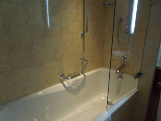 Vasca con doccia picture of radisson blu hotel krakow krakow
