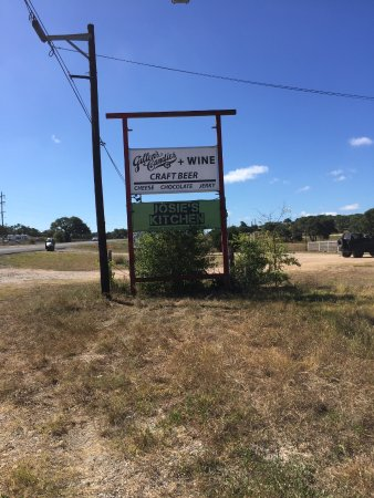 Blanco, TX: New sign at new location