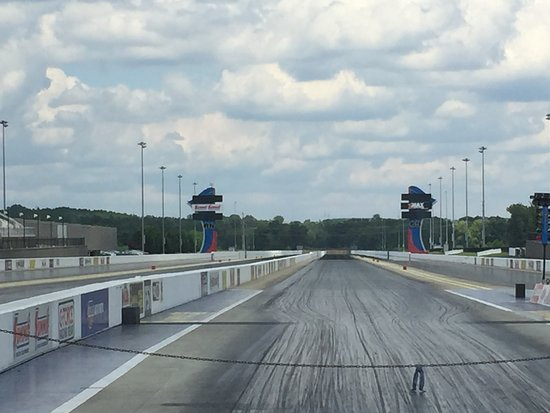 Zmax dragway concord all you need to know before you for Charlotte motor speedway condo rental