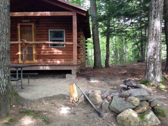 Bristol, Nueva Hampshire: Cabin Number 1 has the larger area of the three