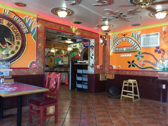picture of la fiesta mexican restaurant lounge la grande tripadvisor. Black Bedroom Furniture Sets. Home Design Ideas