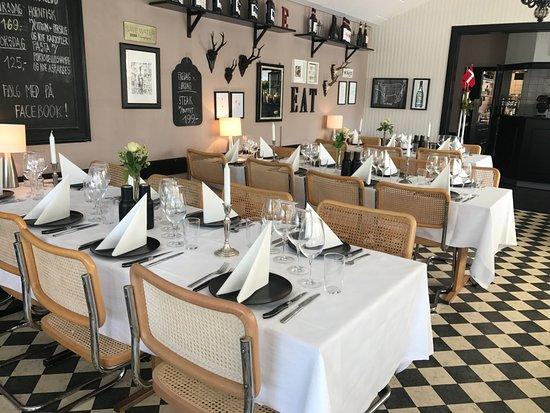 Skaelskoer, Denmark: Del af restauranten