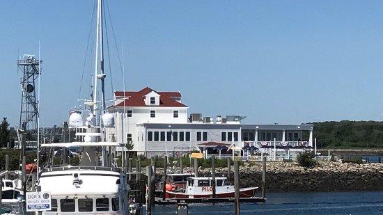 The Pilot House Restaurant & Lounge: photo1.jpg