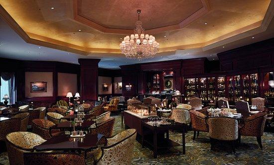 The Ritz-Carlton, Osaka: The Lobby Lounge