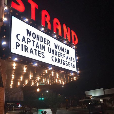 Historic Strand Dinner Cinema: Strand