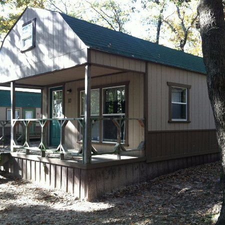Malakoff, TX: Kids love the lofted cabins!