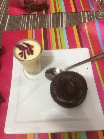 Bar Du Soleil: Fondant au chocolat.