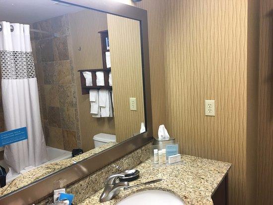 Tomah, WI: Banheiro muito bem limpo