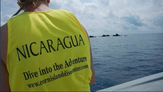 "Corn Islands, Nicaragua: Dive into the adventure with us to discover the amazing ""Blowing Rock"""