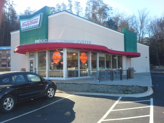Krispy Kreme Doughnuts: Please look for the bigger and better location. Just up the street from the previous location.