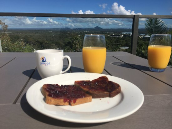 Breakfast on the upstairs deck.