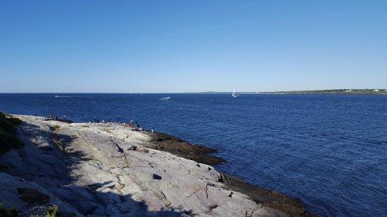 Castle Hill Lighthouse: Fishermen
