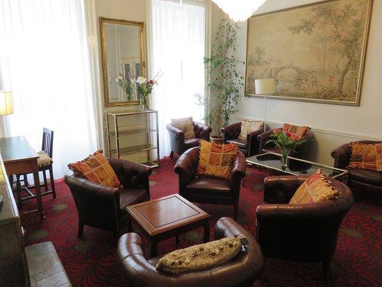 Celtic Hotel : Common area/sitting room
