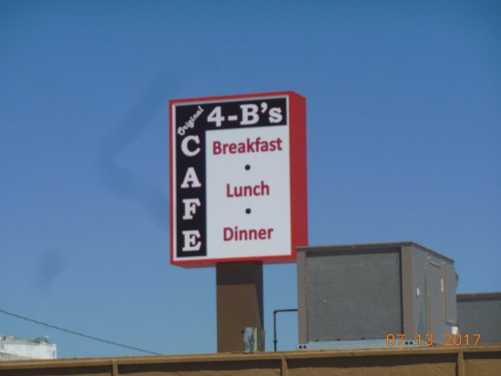 Deer Lodge, Montana: Sign on top of the restaurant