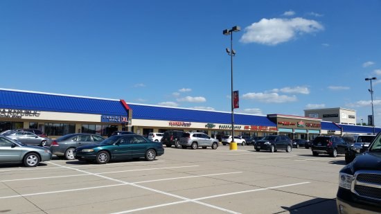 Williamsburg, IA: Tanger Outlets