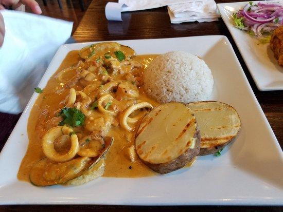 Wilton Manors, FL: Chicha, Milkshake de ljcuma, pescado al ajo, pescado a lo macho, cebiche, lomo saltado con risot