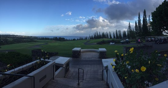 Kapalua Plantation Course: A welcoming view