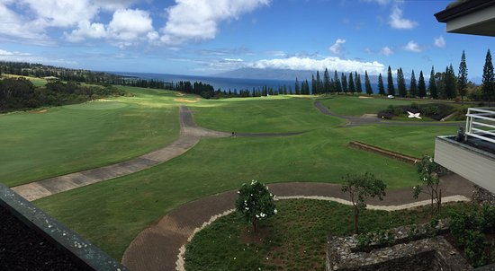 Kapalua Plantation Course: View of 18 from the lanai