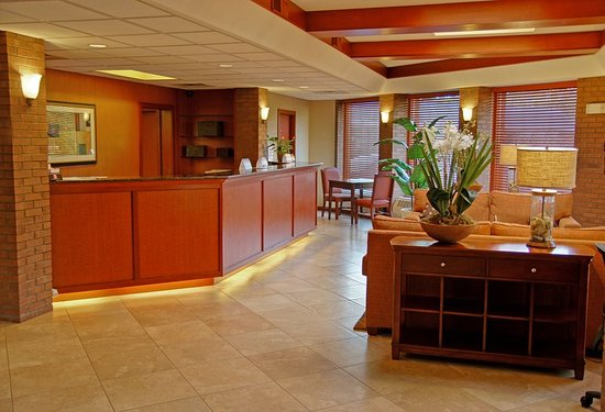 Country Inn & Suites By Carlson, Traverse City : Lobby